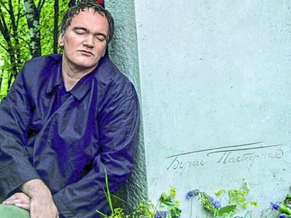 Квентин Тарантино на могиле Бориса Пастернака