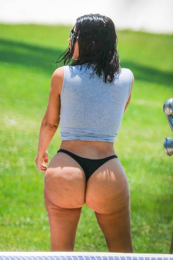 Ким Кардашьян фотографии без фотошопа