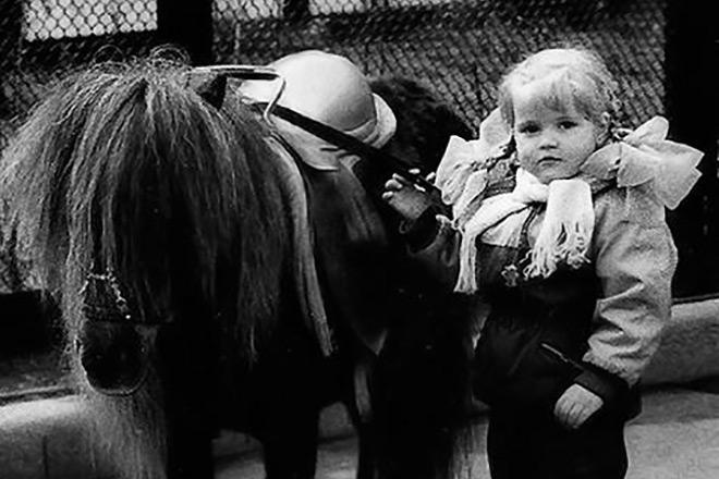 Фото Анны Михайловской в детстве