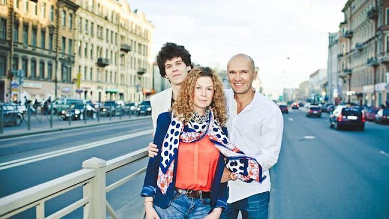 Паулина Андреева: фото родителей