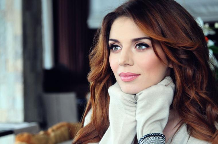 Алина август певица википедия
