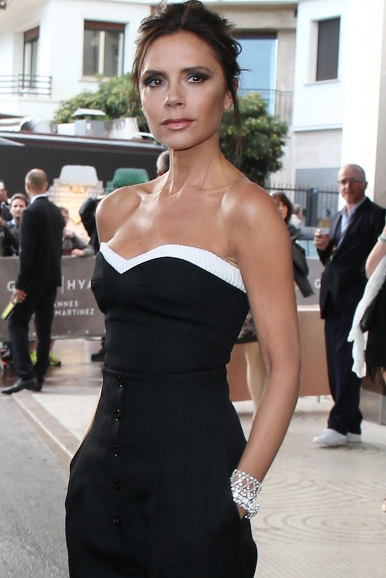 Height and weight of Victoria Beckham