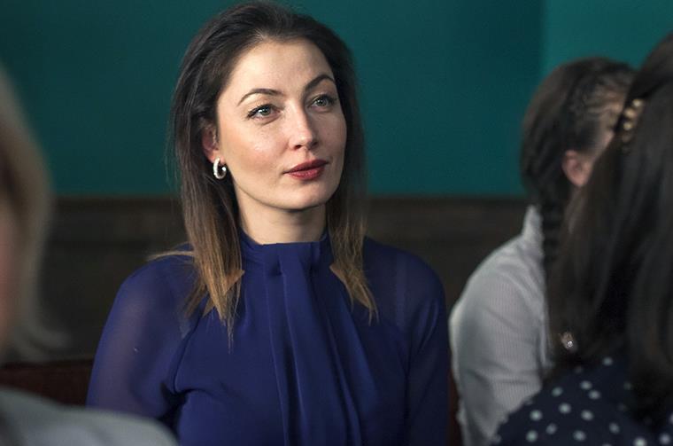 Кто играет в русском сериале Хорошая жена