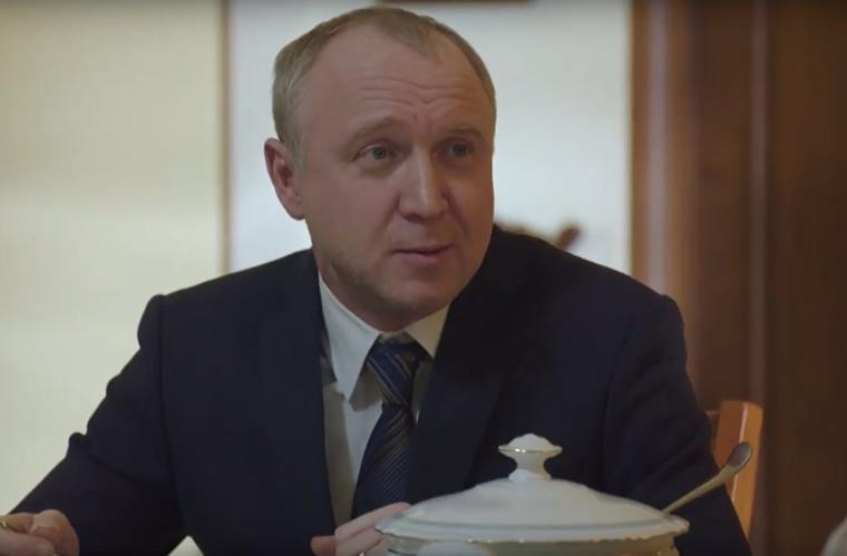 Сериал Поздний срок актеры главных ролей