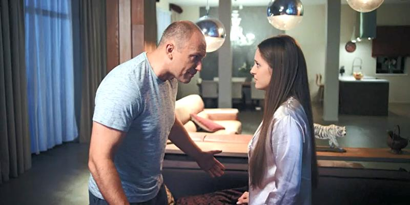 Читать содержание сюжета серий сериала Частная жизнь на канале Россия